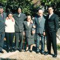 Filho Rogério, nora Adélia, neto Bruno, esposa Maria do Rosário, António e neto António José, nas Bodas de Ouro (1 de Fevereiro de 2002)
