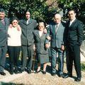 Filho Rogério, nora Adélia, neto Bruno, Maria do Rosário, marido António Martins e neto António José, nas Bodas de Ouro (1 de Fevereiro de 2002)