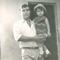 António Nunes e sua filha Cristina (Moçambique, 1972)