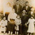 Ana do Carmo (sentada à esq.), com os pais e os irmãos, em 1939