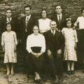 Ana do Carmo, com os pais e os irmãos, em 1939