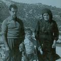 José Romão Antunes com o filho mais novo António e com a mãe Ana da Conceição (Serra da Estrela, 1975)