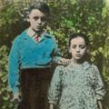 António Fontinha, com 10 anos, e sua irmã Alice (Piódão, 1949)