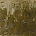 Pais (à direita), padrinho (ao centro) e tia (à esquerda) de Maria dos Anjos Fontinha