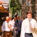 José Gaspar, enquanto Presidente da Junta do Piódão, ao lado do Governador Civil Pires de Lima, durante a visita deste ao Piódão (1992)