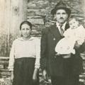 Pais e irmão mais novo de António (Piódão, década de 50)