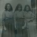 Mãe da sogra e irmãs (esq. p/ dta.)