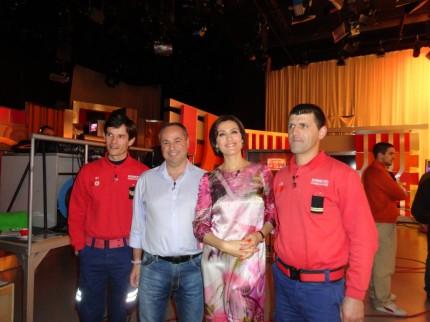 O Ricardo e os amigos com a Fátima Lopes
