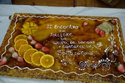 O bolo comemorativo e confeccionado pelo Carlos Grácio...